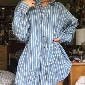 blue and white pin striped button up!!
